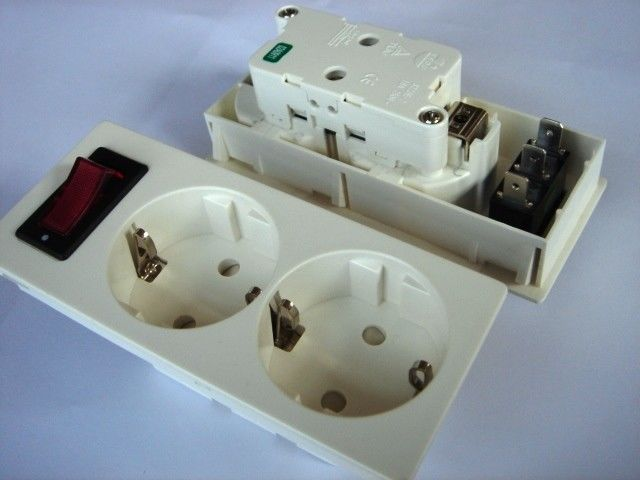 Germany Double Electric Power Sockets Power Outlet With Switch Control